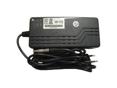 Carregador South GPS S82+ / S86 (4 Pinos)